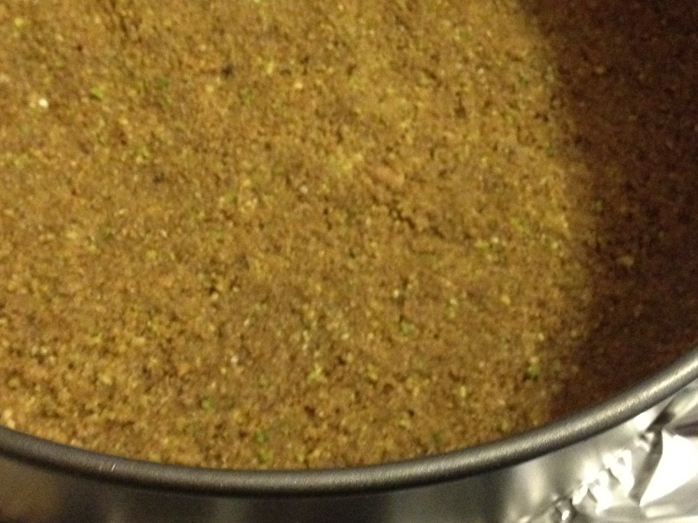 Lemon Saffron Cheese Cake with Whole Meal,Pistachio,Cardamom Crust (2/3)