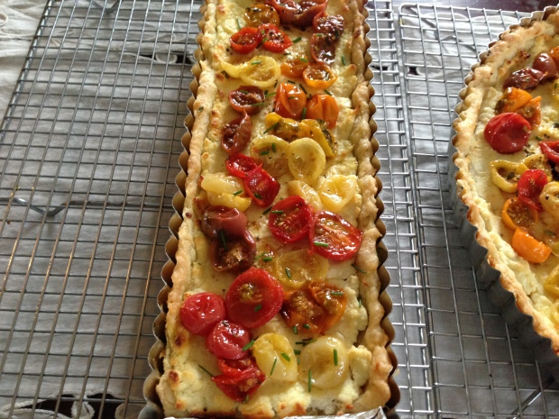 Rectangular tart roasted tomato and goat cheese