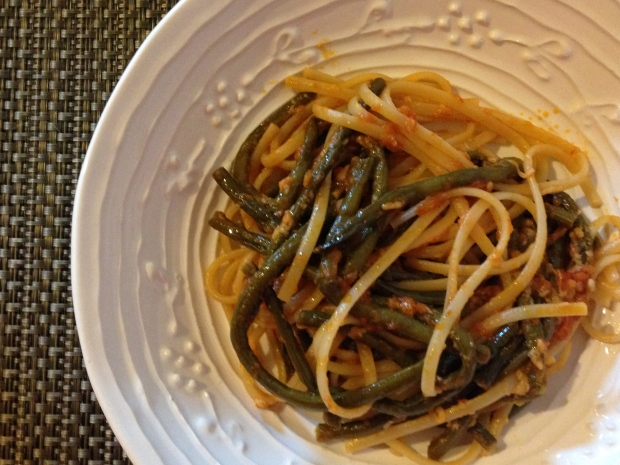 Long Beans and linguine in tomato sauce