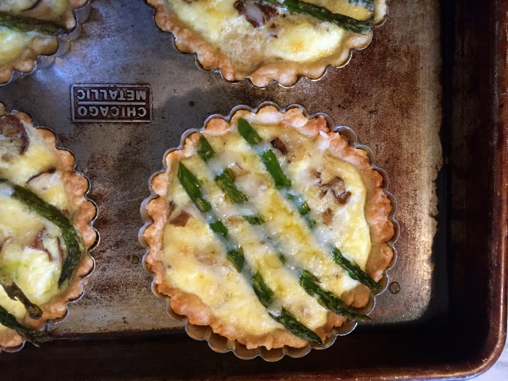Leek, Asparagus,Chanterelle And Gruyere Mini Quiche For Fiesta Friday #59 (2/4)